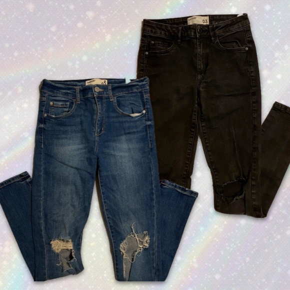 SET OF 2️⃣ - GARAGE Jeans with Ripped Knees